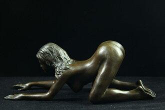 流行青铜雕像性感裸体女孩-尼诺 Oliviono