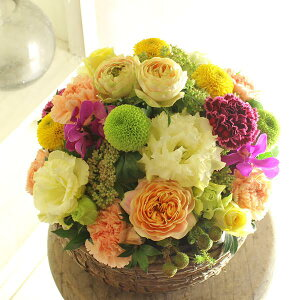 アレンジメントフラワー Round Basket(黄色・オレンジ系)※デザイナーが手がけるお洒落な一品結婚祝い 入籍祝い ブライダル ウェディング 婚約 贈り物 フラワーギフト プレゼント お祝い