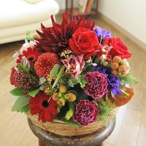【電報(祝電)とお花を一緒にお届け】アレンジメントフラワー Round Basket(赤系)結婚祝い 出産祝い 誕生祝い 開店祝い 就任祝い 昇進祝い 贈り物 フラワーギフト プレゼント お祝い お