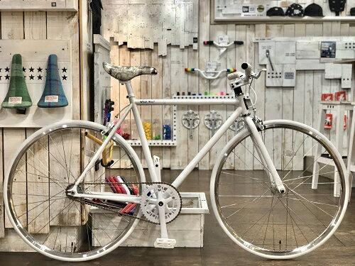 FUN ANGUS ピストバイク 700C 完成車 ホワイト フラットフレーム(530mm) 2018年モデル Nallow Wheel装着ピスト トラックレーサー