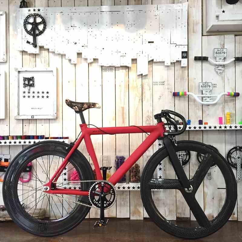 FUN Air マットレッド 530mm ドロップハンドルカーボンホイール ピストバイク シングルスピード[自転車][ピストバイク][700C][23c][タイヤ][ホイール][カーボン][カーボンホイール][700][固定ギア]