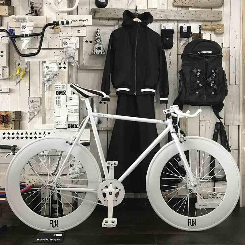 100種類以上!!選べるサドル!!ピストバイク 完成車 FUNホワイト ファニー(610mm)80mmディープリム シングルスピード[自転車][ピスト][ピストバイク][カスタム][700C][23c][タイヤ][フリーギア][ホイール][固定ギア]