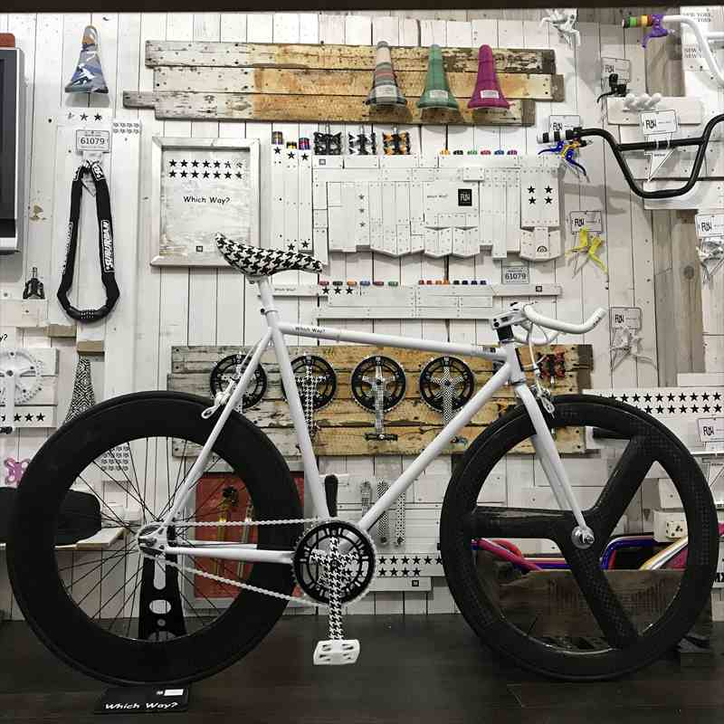 FUNホワイトファニー(610mm)フロント フルカーボンリムリア 88mmカーボン[自転車][BMX][ピスト][ピストバイク][カスタム][700C][23c][タイヤ][フリーギア][ホイール][700][固定ギア][ペダル][ブレーキ][ブルホーン][カスタムパーツ]