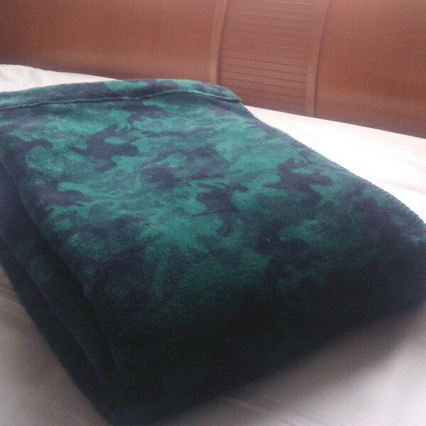 綿毛布 シングルサイズ 日本製 迷彩柄のblan&co.オリジナル 洗える 送料無料 工場直販 産地直送 こちらの商品は、大阪府泉北郡忠岡町のふるさと納税の返礼品でも人気の商品です。