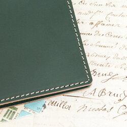 A5サイズの本革手帳カバーです。ほぼ日手帳カズン・キャンパスノートなど各手帳サイズに調整も行います。