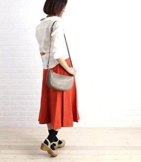 IL BISONTE (イルビゾンテ) leather half-moon-shaped shoulder bag (S), 5412300411-0061302