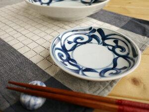 【美濃焼】【1枚から販売】藍彩唐草12.5cm取分け皿1枚から販売径12.5x高2.6cm【染付,唐草,小皿,12.5cm】【bloom-plus】