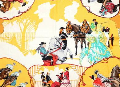 【アパレル】HERMESエルメスカレ90スカーフ大判スカーフセビリアの休日『FERIADESEVILLA』シルク100%イエロー黄色ホワイト白マルチカラー【中古】【k】