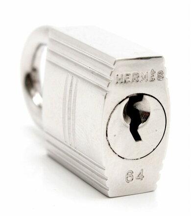 【新品仕上げ済】HERMESエルメスカデナパドロックNo.64南京錠鍵カギキー付シルバー色【中古】【k】