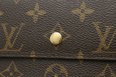 【財布】LOUISVUITTONルイヴィトンモノグラムポルトフォイユインターナショナル3つ折長財布M61217【中古】