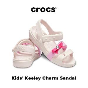 【30% SALE!!】Kids' Keeley Charm Sandal【キーリー チャーム サンダル キッズ 】サンダル リポン ストラップ 女の子 ピンク ガールズ クロックス正規取扱店なのでご安心ください