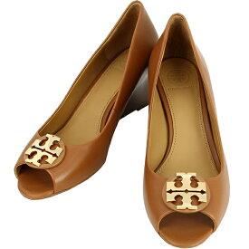 トリーバーチ パンプス 8.5サイズ 約25.5cm クレア CLAIRE 65mm ダブルTロゴ カーフレザー ロイヤルタン ブラウン ゴールド金具 TORY BURCH レディース 本革 ウェッジソール ビジネス オープントゥ ピープトゥ ヒール 靴 シューズ 女性 ブランド 新品 送料無料