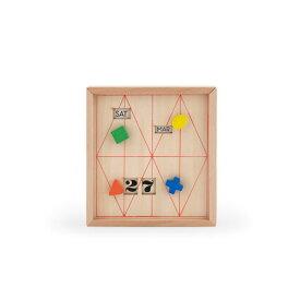 つまみを回して日付けを変える、木製カレンダー キッカーランド カレンダーボックス