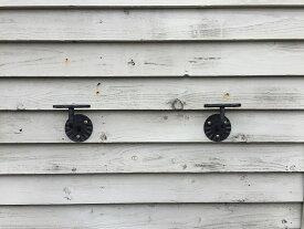 SELL品!! 【輸入品】European 壁手すり・階段手すり ブラケット 左右2点セット(ネジ6本付き)【アイアン:100mm×105mm×奥行74mm:在庫】ロートアイアン・アンティーク風