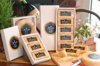 北海道富良野で作られるバターはギフトにも人気です。