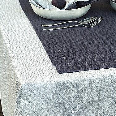 送料無料♪ リネン テーブルクロス ダマスク織り ローム 150 x 150 リトアニア製【RCP】