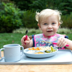 ベビー食器すくいやすいひっくり返らないプレート離乳食食器吸盤シリコン子供ベビー赤ちゃん食器男の子女の子すくいやすいお食事プレートグリーンスプラウツGreenSproutsLearningPlate
