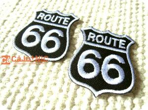 ROUTE66(S)2枚セットBK×WH66/小さい/プチ/ミニ/ワンポイント/標識/海外/自動車/バイク/ロック/バイク/バイカー/ロゴ/アメリカン/入園/入学/ハンドメイド/雑貨/刺繍ワッペン/アイロン接着/リメイク/
