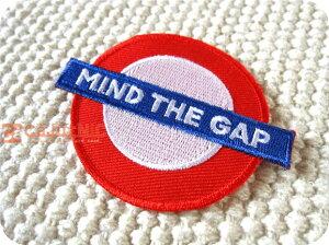 MIND THE GAP/ロンドン/イギリス/標識/地下鉄/ロック/海外/パンク/文字/ロゴ/大人/かっこいい/ハンドメイド/雑貨/刺繍ワッペン/アイロン接着/リメイク/デコ/アップリケ/CaJu+NiC[カジュニック]【ワ