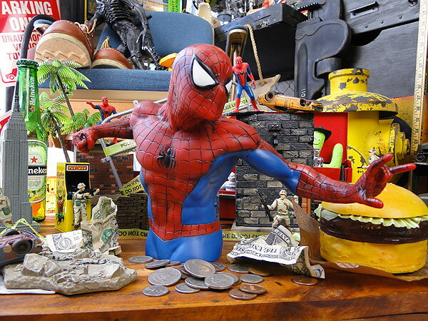 どの角度から見ても絵になる!スパイダーマンのバストバンク ■ アメリカン雑貨 アメリカ雑貨 アメキャラ アメコミ 貯金箱 生活雑貨 マーベル