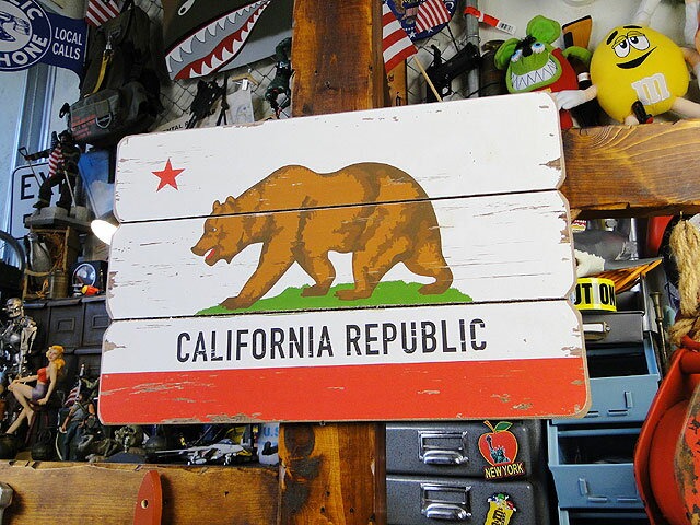 カリフォルニア州旗のヴィンテージサインボード ■ ウッドサイン サインプレート アメリカ アンティーク 木製 ウッド 看板 サインボード アメリカ雑貨 アメリカン雑貨 インテリア 雑貨 人気 カントリー雑貨 調 木製看板 アメリカ 雑貨 看板 西海岸 西海岸スタイル 男前