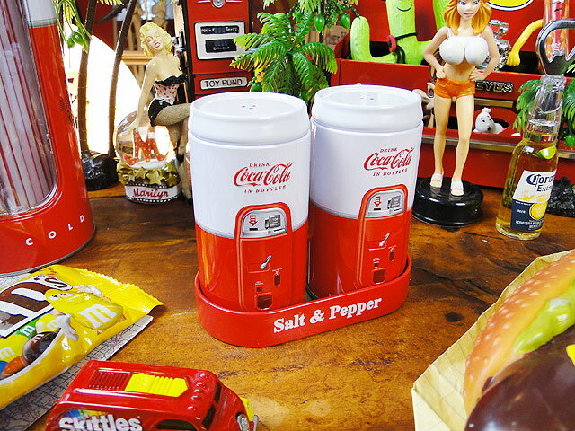 コカ・コーラブランド S&Pボトル ■ コカコーラグッズ 雑貨 グッズ ブランド Coca-Cola アメリカ雑貨 アメリカン雑貨 コーラ 置物 インテリア おしゃれ 人気 小物 こだわり派が夢中になる! 人気のアメリカ雑貨屋