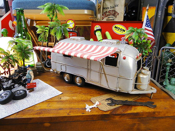 エアストリームのブリキオブジェ■こだわり派が夢中になる!人気のアメリカ雑貨屋通販アメリカン雑貨インテリア雑貨カッコイイ男の部屋!生活雑貨オブジェ置物小物模型おもちゃ