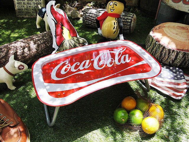 コカ・コーラブランド ラップトップトレイ ■ コカコーラグッズ 雑貨 グッズ ブランド Coca-Cola アメリカ雑貨 アメリカン雑貨 コーラ 置物 インテリア おしゃれ 人気 小物 生活雑貨 こだわり派が夢中になる! 人気のアメリカ雑貨屋