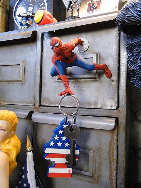 スパイダーマンのマグネットハンガー■アメリカン雑貨アメキャラアメコミ