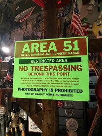 エリア51の蓄光看板 アルミサインボード