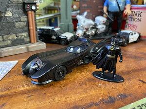 Jada ティム・バートン版バットモービル&バットマンのダイキャストミニカー 1/32スケール(バットマンのフィギュア付き)