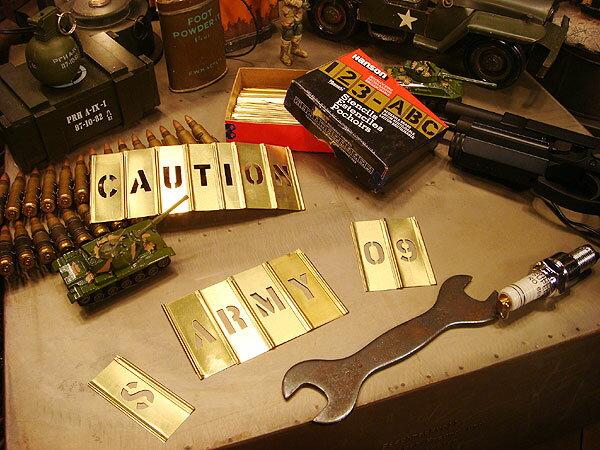 所ジョージさんも世田谷ベースで愛用してるHanson社のステンシルプレート 45ピース英数字セット(3/4インチ) メタル製 真ちゅう製 真鍮製 アメリカン雑貨 アメリカ雑貨 アメリカ 雑貨 インテリア 小物 ステンシル シート プレート アルファベット