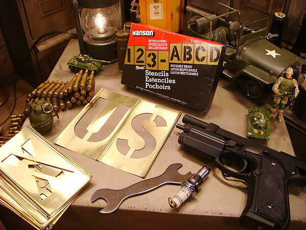 【全国送料無料】所ジョージさんも世田谷ベースで愛用してるHanson社のステンシルプレート 45ピース英数字セット(4インチ) メタル製 真ちゅう製 真鍮製 アメリカ雑貨 アメリカン雑貨 アメリカ 雑貨 インテリア 小物