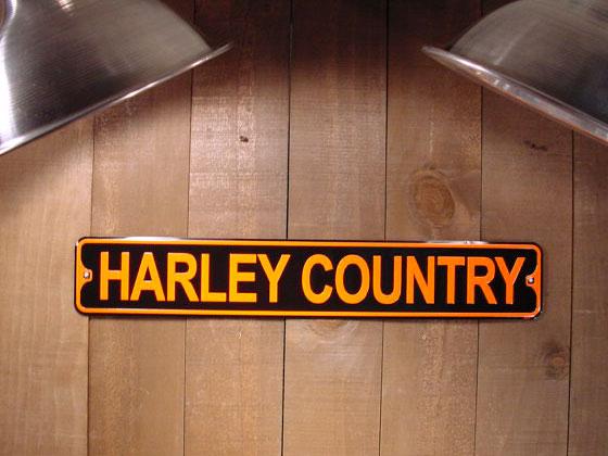 アメリカのミニストリート看板 HARLEY COUNTRY -ハーレー王国- ■ サインプレート ブリキ アメリカ看板 ティンサイン サインボード アメリカンブリキ看板 アメリカ 雑貨 アメリカン雑貨 おしゃれ 壁面装飾 ディスプレイ 内装 人気 ウォールデコレーション