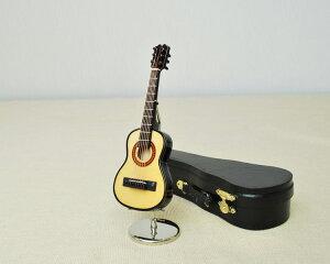 ミニチュア楽器!クラシックギター♪この商品はお取り寄せ商品です♪♪【楽器-音楽雑貨】《音楽・バレエ・ねこ雑貨のカンタービレ》スタンド ケース付き 吹奏楽 楽器 発表会 記念品♪卒