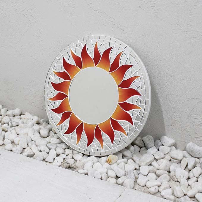 モザイク柄 ミラー 鏡 壁掛けミラー 太陽模様 レッド 丸型 30cm バリ アジアン インテリア