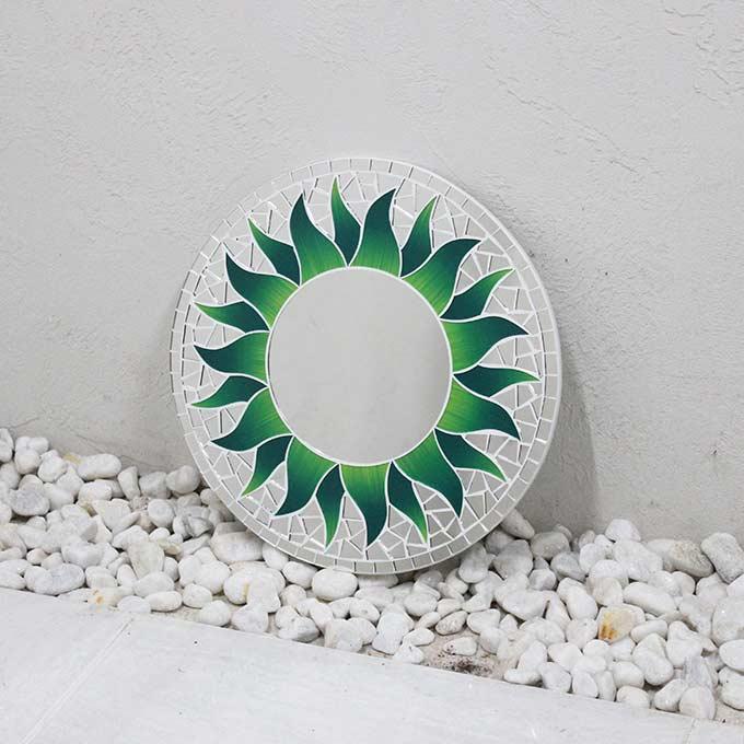 モザイク柄 ミラー 鏡 壁掛けミラー 太陽模様 グリーン 丸型 30cm バリ アジアン インテリア
