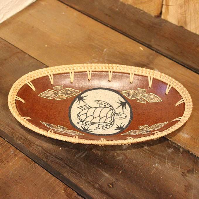 ロンボク焼きのトレイ 小物入れ 鍵置き 陶器 カメの絵 W26cm バリ雑貨 アジアン雑貨 オブジェ