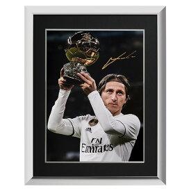 ルカ・モドリッチ 直筆サインフォト レアル・マドリード バロンドール ウィナー 額装 (Luka Modric Signed Real Madrid Photo: Ballon d'Or Winner) 3/12入荷