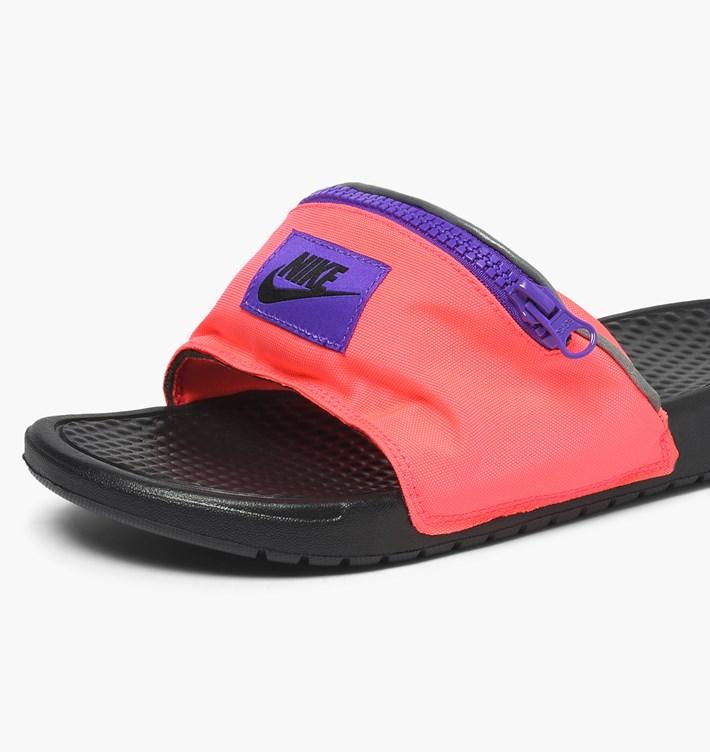送料無料 Men's メンズ 店舗限定 Nike Sportswear Benassi JDI Fanny Pack Hyper Punch Black Hyper Grape AO1037-600 ナイキ べナッシ JDI ファニー パック ピンク ブラック サンダル スニーカー アパレル ファッション