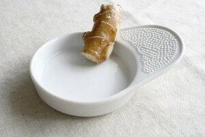陶器製の摩り下ろし器 やっぱり陶器製は清潔感があります 醤油皿 タレ皿 わさびおろし すりおろし器 生姜おろし おろし金 食卓ツール 国産 美濃焼 訳あり
