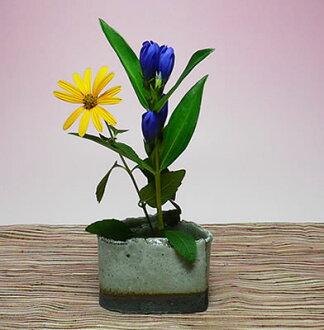 常滑焼手造り花み花瓶/花瓶(三角形/灰车轴)