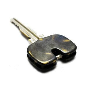【メール便対応】【当店限定】goodvibrationsグッドバイブレーションズOLDPOINTオールドポイント真鍮製ロゴ入りプレーンキーヘッドカバーアンティークブラス加工2重リング付きキーカバーおしゃれキーキャップかっこいいメンズキーケースキーメット