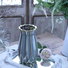 アンティークな花瓶