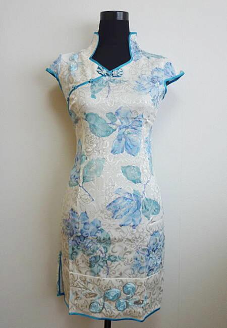 【デザインチャイナドレス】花ラメプリント・白×水色(XS、S、M、L)