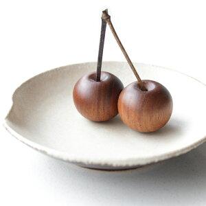 さくらんぼ ペーパーウェイト 手のひらサイズ オブジェ 木製 ハンドメイド 文鎮 置物 おしゃれ 天然木 チェリー 日本製