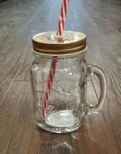 【大人気商品!】 Glass jar with handle ガラスドリンクジャー取っ手付 ストロー付 380ml 色はシルバーで無地になります(704746)