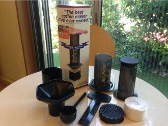 本州在 aeropress 咖啡机 (气动式咖啡机)