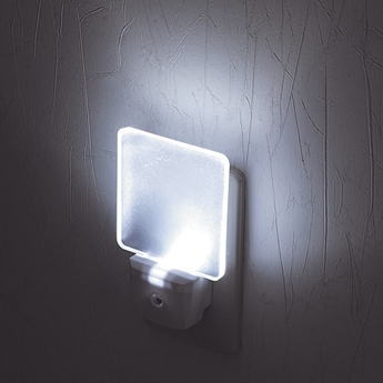 LEDナイトランプ 光センサー付コンセントタイプ【送料無料】【あす楽】
