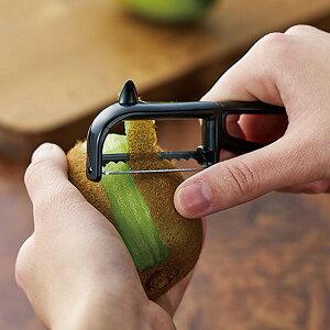 ピーラー キウイ 食洗機対応 キッチンバー キウイピーラー ( キウイ用ピーラー 皮剥き器 皮むき器 フルーツピーラー トマト 桃 フルーツ 果物 芽取り付き 下ごしらえ キッチンツール 便利
